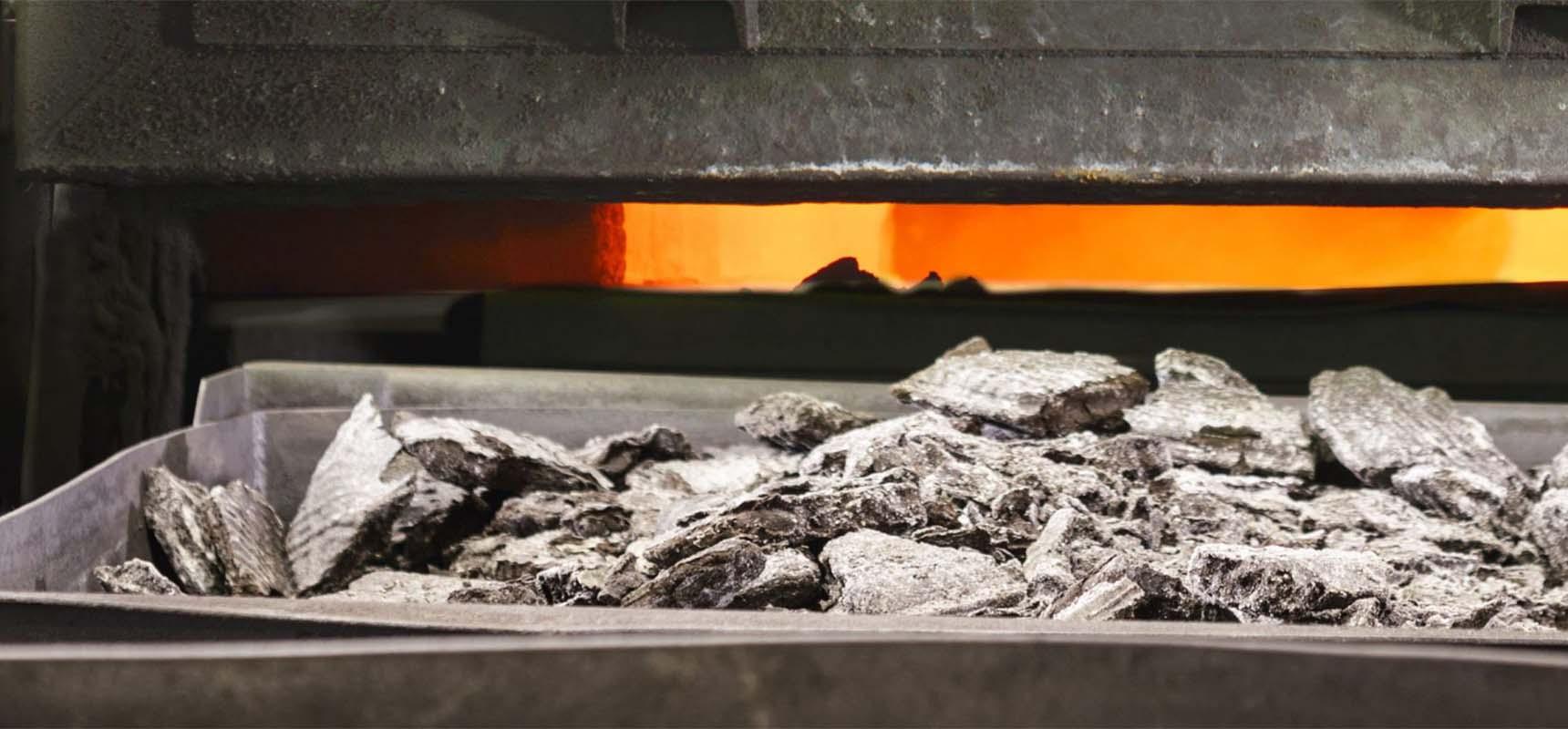 回收范围:我们回收国内外含贵金属的工业废料、废渣,成品半成品。